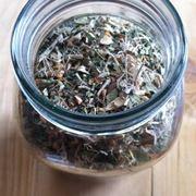 Misto di erbe  Fonte foto ( http://frugallysustainable.com )
