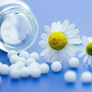 Cura e rimedio omeopatico per le macchie della pelle