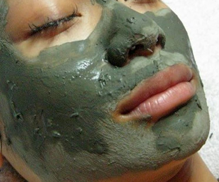 Maschera all'argilla verde ventilata