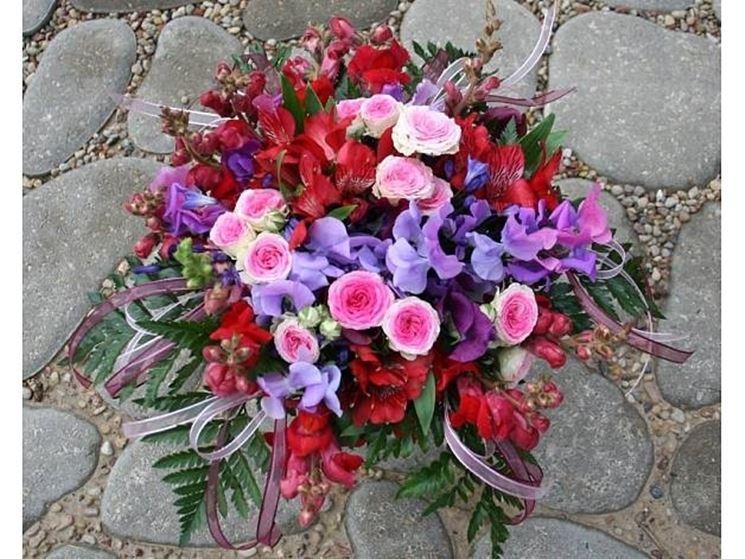 composizione fiori artificiali