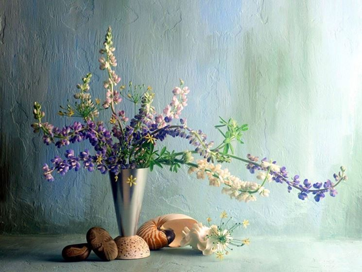composizione floreale per la tavola