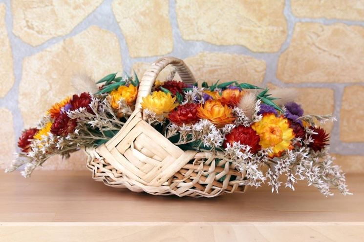 composizione floreale fiori secchi