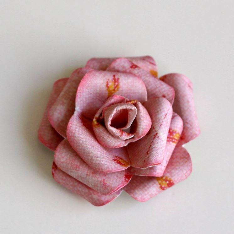 Fiori con tovaglioli di carta fiori di carta - Decorazioni con fazzoletti di carta ...