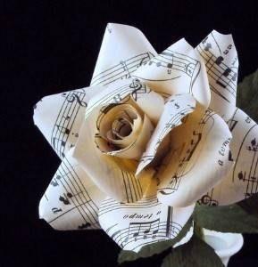 Modelli di fiori di carta fiori di carta for Fiori di carta di giornale