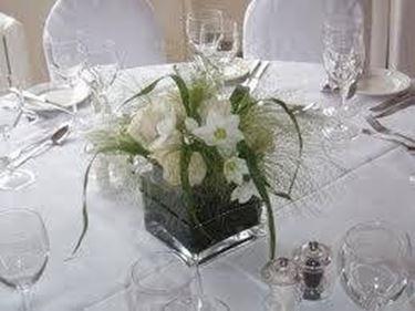 Addobbi floreali per matrimoni fiorista for Addobbi tavoli matrimonio con candele