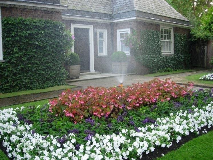 irrigazione giardino agosto