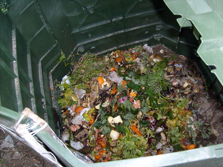 Materiale per la compostiera