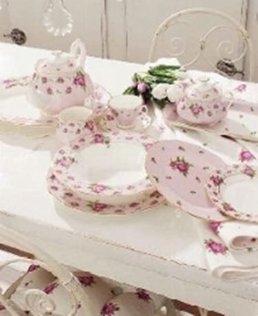 Piatti con rose Royal Albert