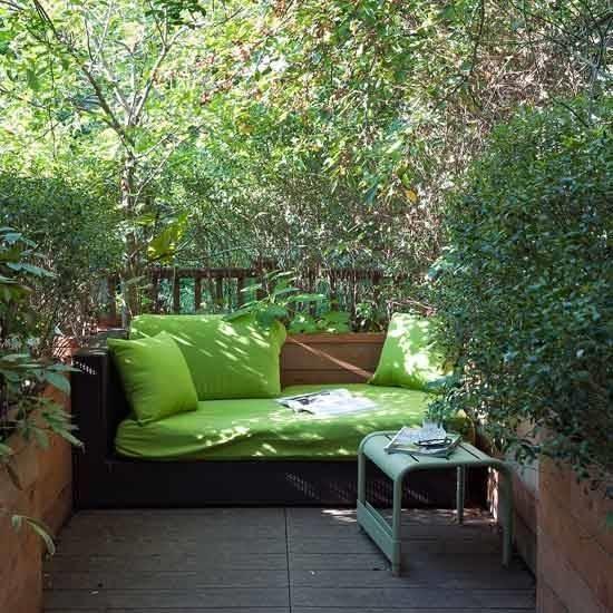 Piccoli giardini foto speciali come realizzare dei piccoli giardini - Small space patio plan ...