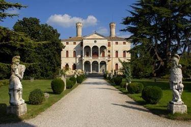 L'Entrata del Castello di Roncade