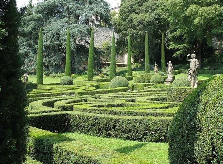 Giardino Giusti, le statue allegoriche