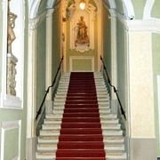 La scala d'ingresso di Palazzo Patrizi