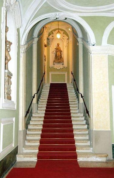 La scala d�ingresso di Palazzo Patrizi
