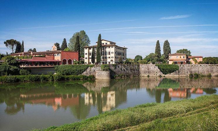 Una veduta di Villa la Massa e dell'Arno