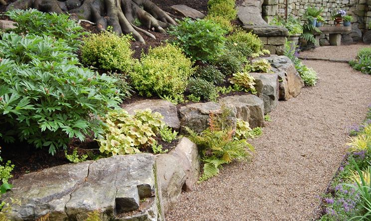 Giardini rocciosi fai da te crea giardino for Bordi per aiuole fai da te