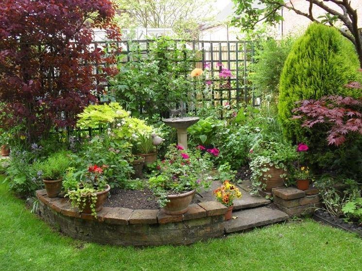 Realizzazione piccoli giardini crea giardino come for Corner vegetable garden ideas