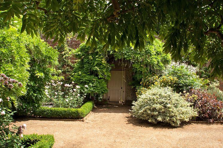 giardino in aprile