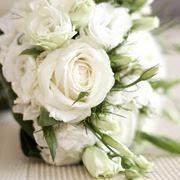 Bouquet da sposa con Lisianthus e Rosa