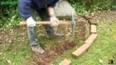 Come realizzare cordoli e aiuole piantare le piante for Bordi per aiuole fai da te